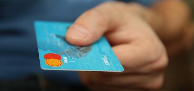 Tarjetas de crédito o débito… ¿Cuál me conviene más?