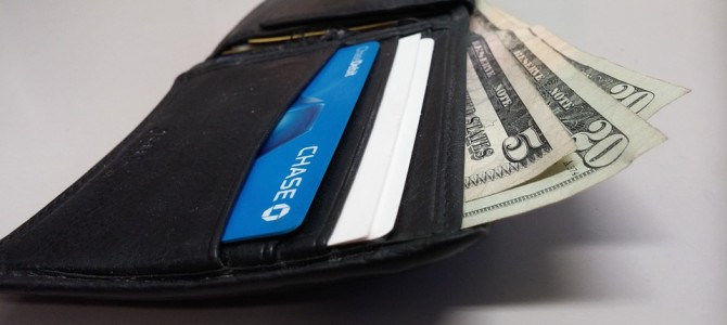 ¿Puedo pagar en dólares con mi tarjeta de crédito?